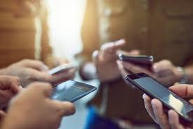 Akıllı Telefon Kullanırken Dikkat Edilmesi Gerekilen Şeyler
